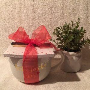 """BEST TEACHER EVER"" Gift Bundle. Mug, Pen & Pad"